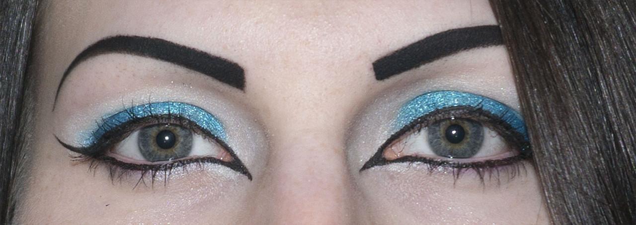 Blue Makeup (Open)